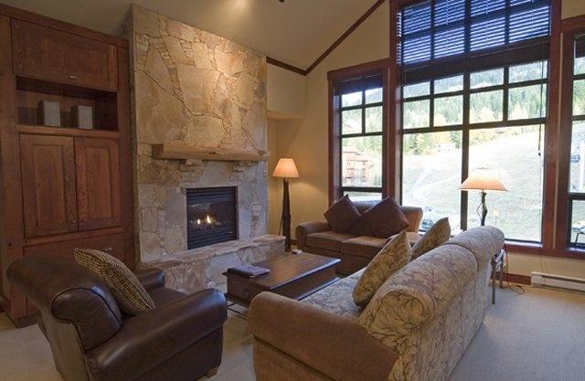 First Tracks Lodge Living Area  www.firsttrackslodge.com  #whistler #robpalmwhistler