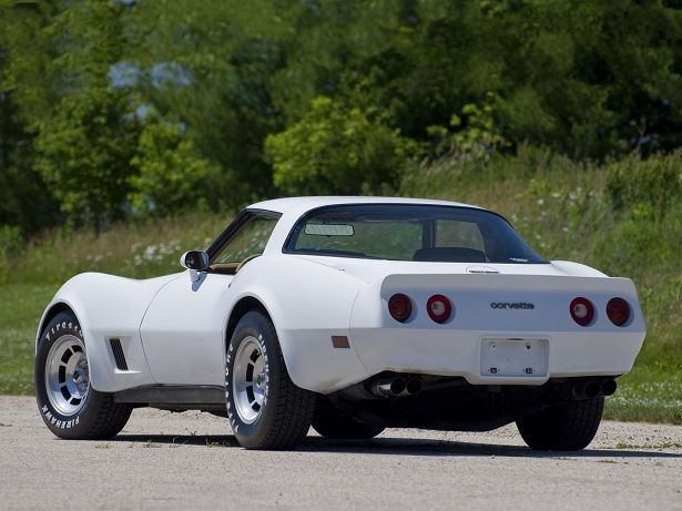Chevrolet Corvette (C3) (1980 – 1982).