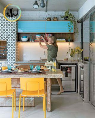 giallo abbinato all'azzurro per una cucina POP!