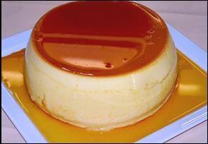La crème renversée à l'orange et à la vanille, pour cette recette j'ai utilisé de l'extrait de vanille pour plus de rapidité, vous pouvez remplacer par une gousse de vanille bourbon de Madagascar, mais il faudra prévoir 10 minutes d'infusion dans le lait. #crème #vanille #madagascar #bourbon #gousse #renversé #caramel