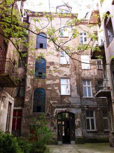 Mundo Hostel im Hinterhof eines Altbaus in Krakau