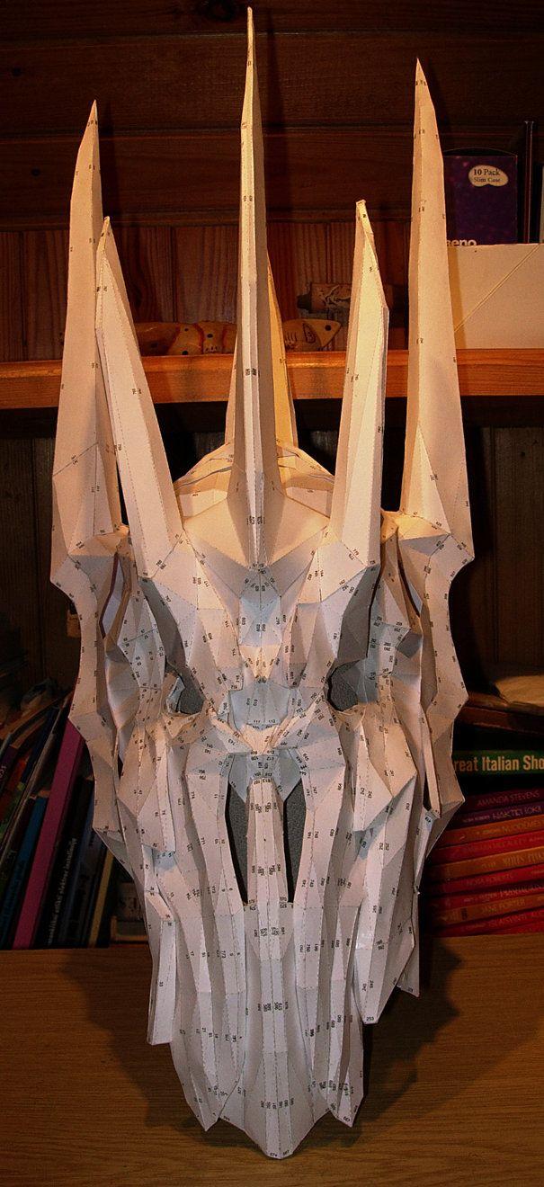 Sauron helmet pepakura model by CubicalMember