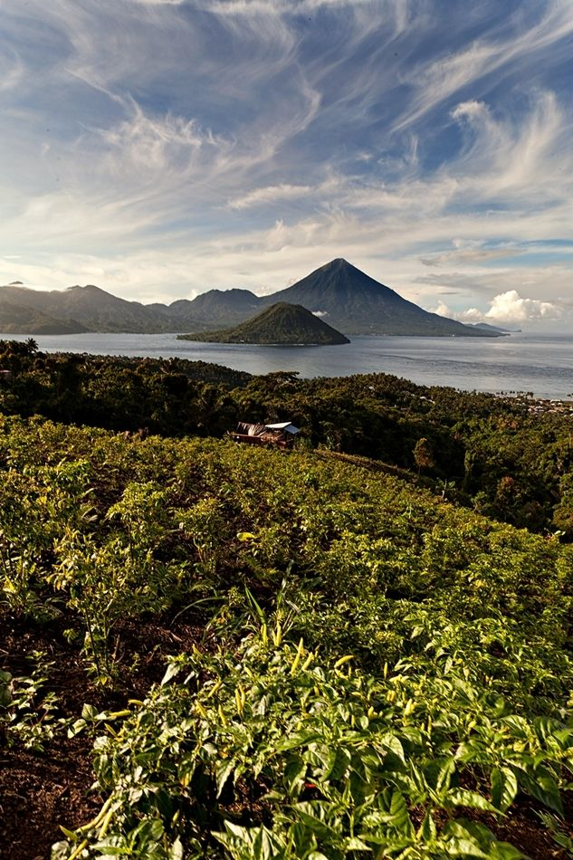 Tidore Island by Imam Makhdy Hassan on 500px