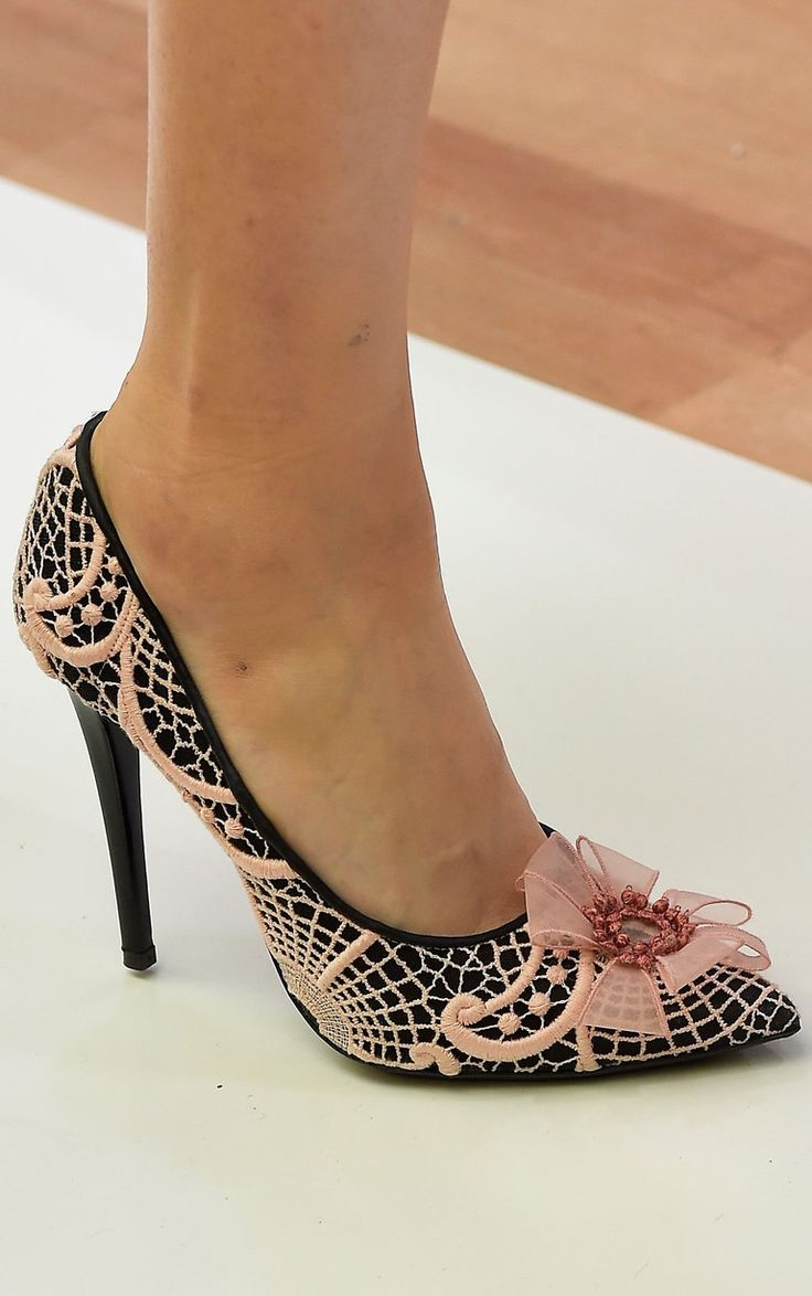 1000 images about shoes haute couture on pinterest for Haute couture shoes