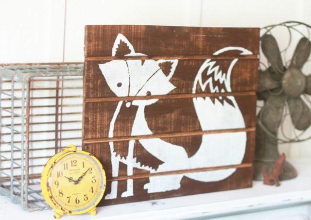 15 Adorable DIY Ideas for Your Woodland Nursery: Foxy Pallet Art