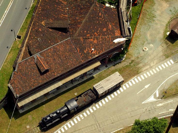 Locomotiva con stazione