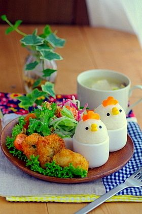 Chicken egg stand lunch
