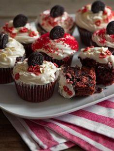 Oreo βελούδινα κόκκινα καπ κέικ | Γλυκά, Γλυκά με Oreo | Athena's Recipes