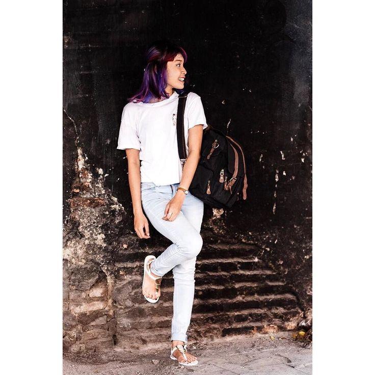 Udah cocok jadi model belum? Model candid maksudnya  Model cat tembok atau cat rambut juga bisa  ----  @nico.harold  #ceritafg1 #fujiguysid #fujiguys_id #ootd #bloggerlife #blogger #bloggerstyle #Jakarta #KotaTua #Indonesia #XT1 #terfujilah