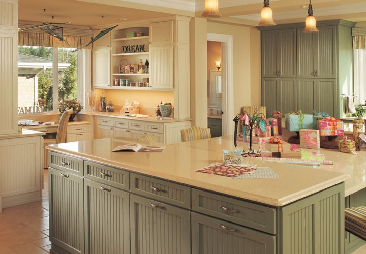 45 best traditional kitchens images on pinterest kitchen for Cape cod style kitchen cabinets