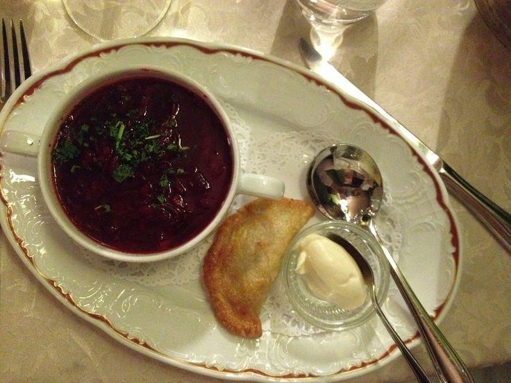 Borts-keittoa Saslikissa. #saslik #russianfood