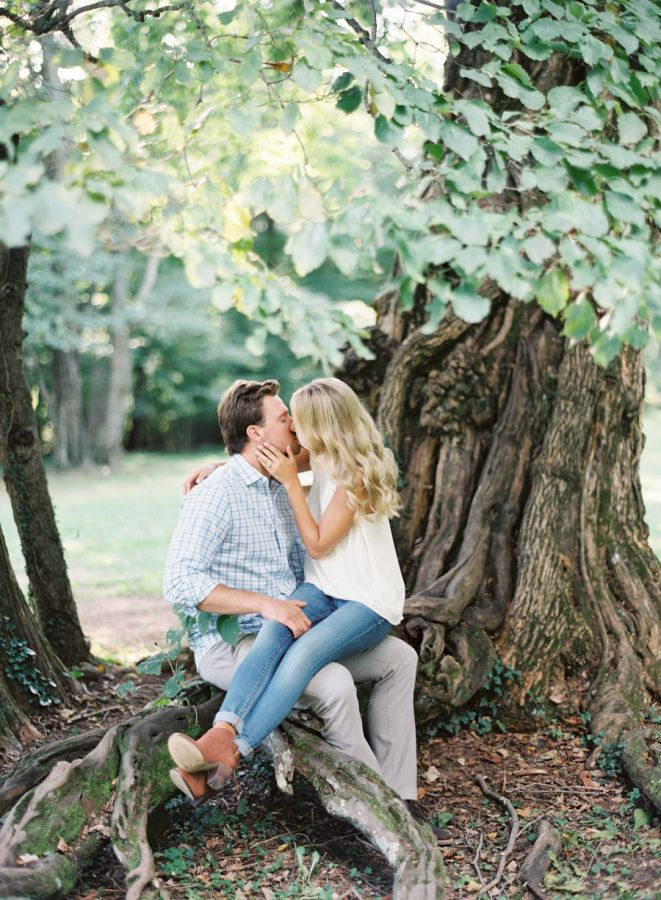 casual-engagement-session-outfit http://itgirlweddings.com/plantation-engagement-session/