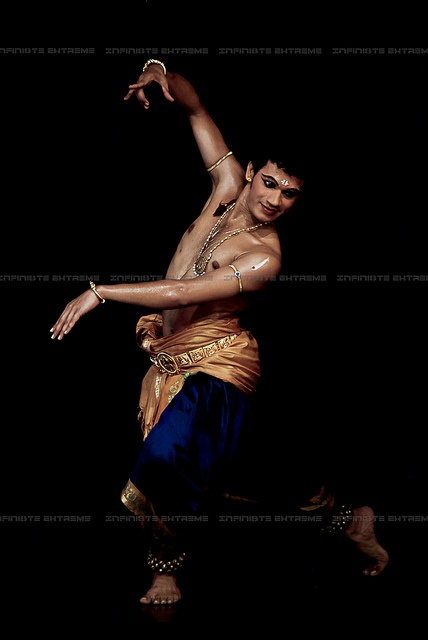 Bharatanatyam by Infinite Extreme Photography, via Flickr
