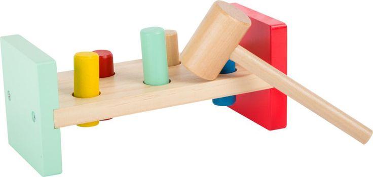 Klopbank Movere heeft een grote aantrekkingskracht als gevolg van het gebruik van veel hout, zijn instinctiveness, en een hoge waarde speelkwartier. De kleintjes kunnen echt wat stoom afblazen op deze kleurrijke werkbank. Wie kan alle cilinders door de gaten te hameren? Er zal echt iets leuks gebeurt in de speelkamer zijn!