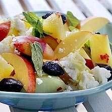Sallad med melon, nektariner och fetaost