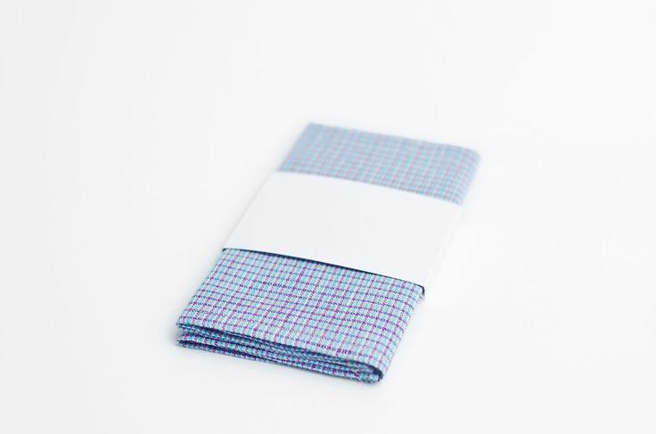 Pañuelo de bolsillo para hombre en http://esnob.eu/ACCESORIOS-HOMBRE