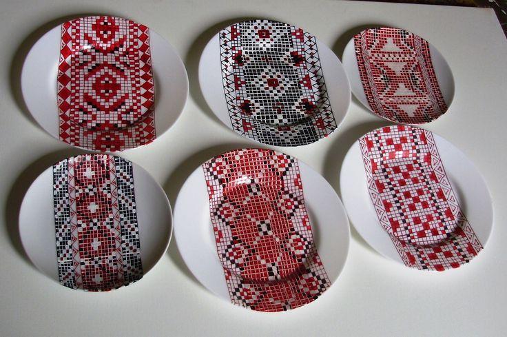 Pictura pe farfurii de portelan cu motive populare, handmade.