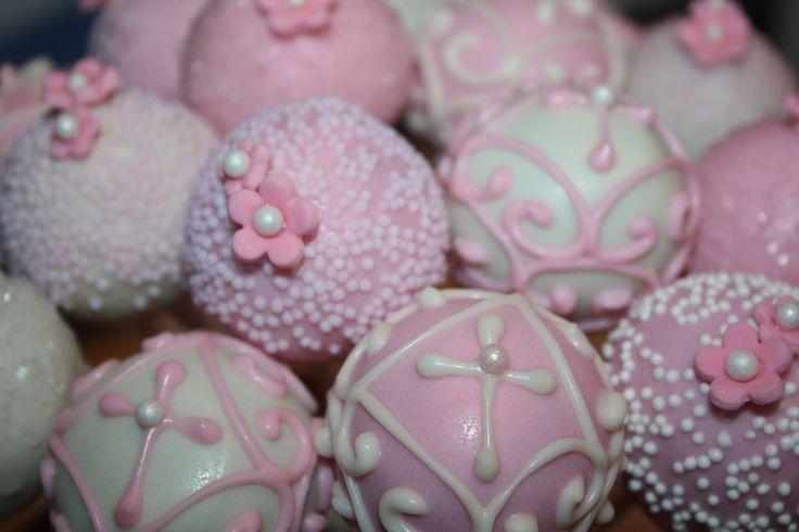 communion centerpieces girl | Communion celebrations this spring and Communion cake pop centerpieces ...