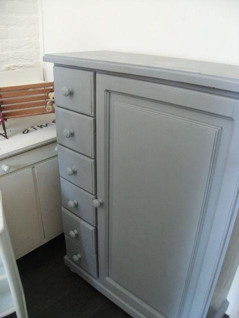 25 beste idee n over grijze verf op pinterest grijze verfkleuren grijze muur kleuren en - Grijze verf ...