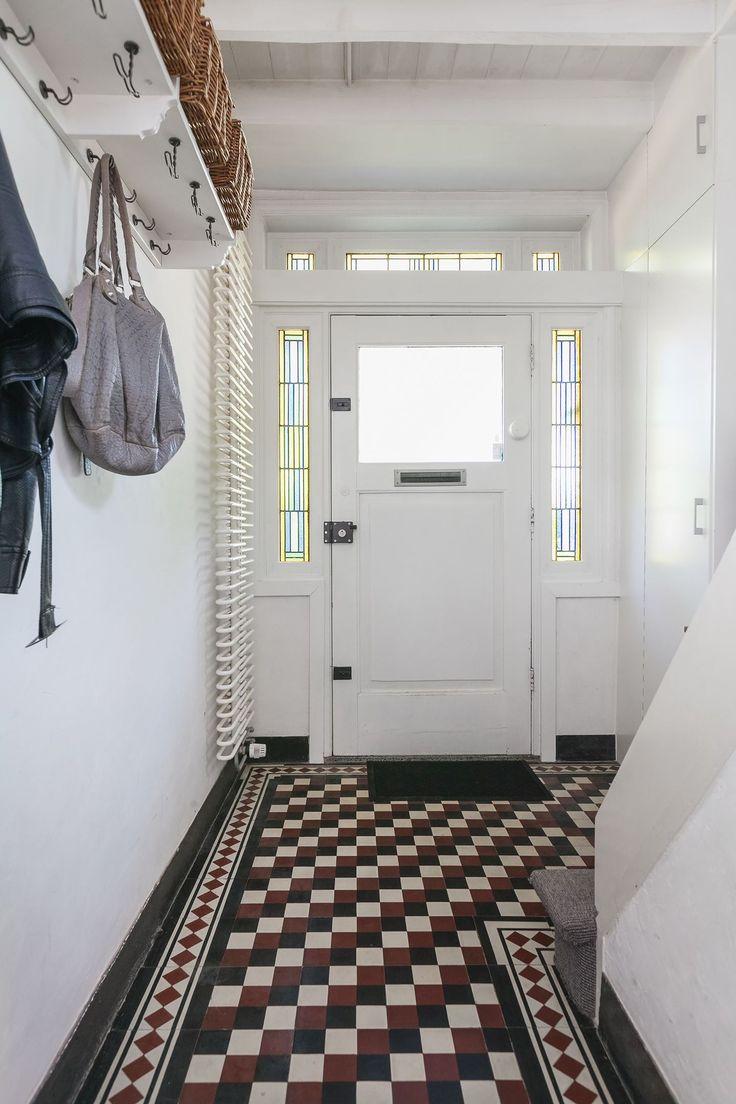 Jaren30woningen.nl | Sijtlvolle hal met tegelvloer in jaren 30 stijl