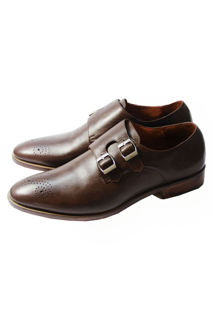 The Mantorii Medallion Monk - A shoe with two buckles instead of the lacing. Less common, but very stylish and with even more panache than the single Monk. Works great with jeans. #MensWear #MensStyle #MensFashion