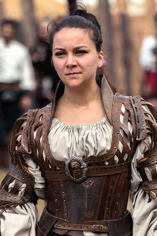 I like this costume! Battle for Vilegis