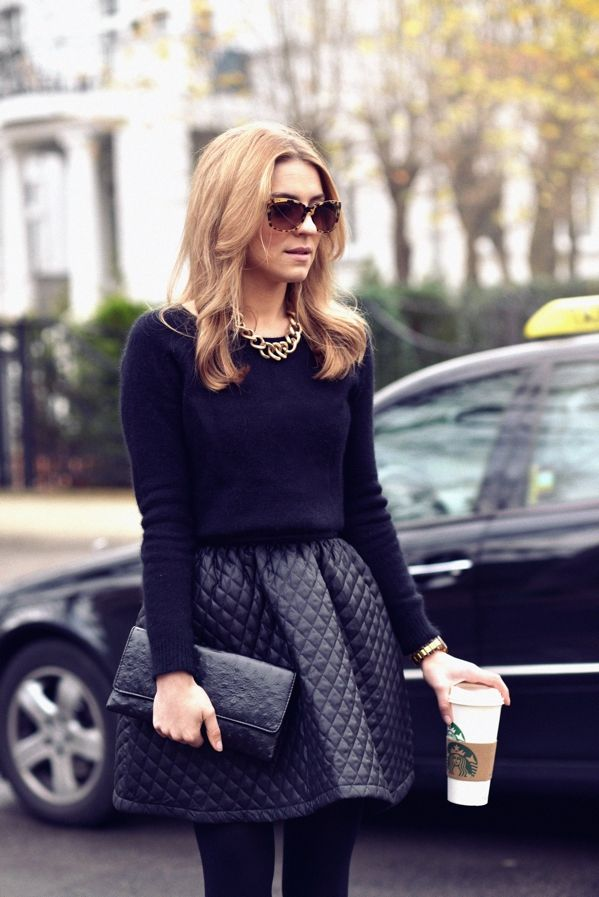 Chic pairing: black outfit & gold accessories #StreetStyle