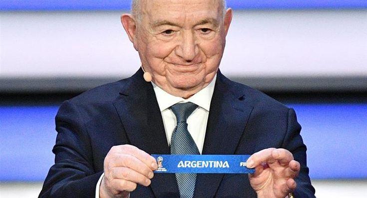 La Selección Argentina enfrentará a la debutante Islandia, a Croacia y a Nigeria en el Grupo D del Mundial de Rusia 2018, según determinó el sorteo de la competencia realizado este mediodía en el Palacio del Kremlin de Moscú.