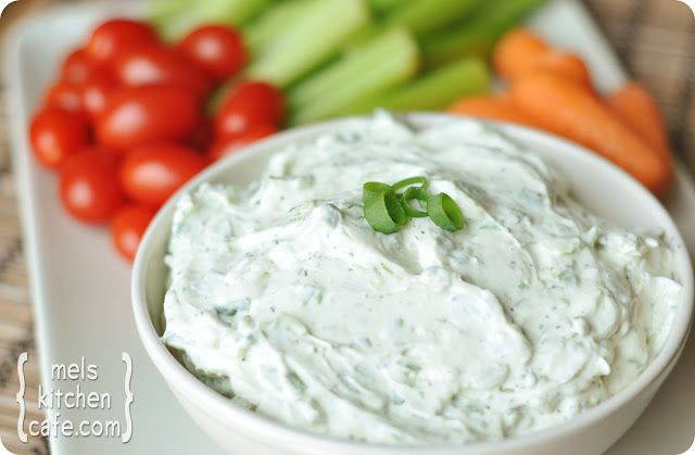 Fresh, homemade herb dip. To die for! The magic is the combination of sour cream, mayo and cream cheese – all of which is mixed with fresh herbs and takes literally 5 seconds to prepare. Ok, maybe slightly longer, but not much. This fresh, creamy dip is addictive. Purely addictive. And since it is served with fresh veggies, I don't feel too guilty inhaling more than my fair share.