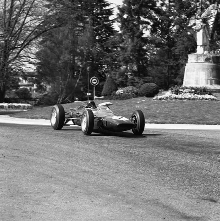 Jim Clark - Lotus 25 Climax - Team Lotus - XXIII Grand Prix Automobile de Pau 1963 - Non championship race