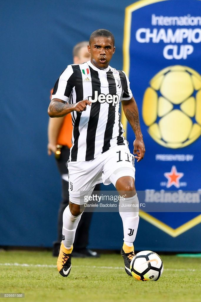 Douglas Costa of Juventus in action during the International Champions Cup match between Juventus and Barcelona at MetLife Stadium on July 22, 2017 in East Rutherford, New Jersey.
