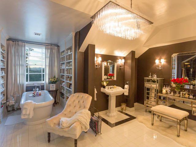 Jennifer Lopez Selling Classy House in Hidden Hills For $17MM - Celebrity Real Estate - Curbed LA