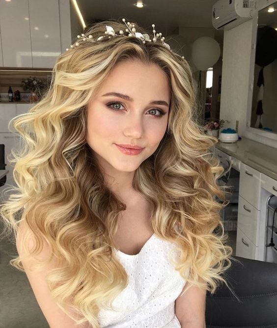 50 Natural Loose Hairstyle Looks for Brides Ideas 3 – Style Female