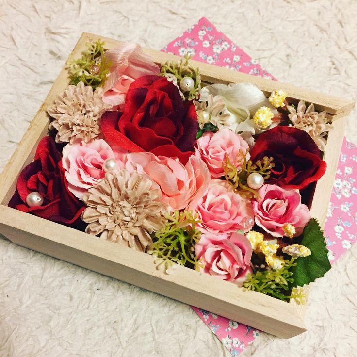 これ100均!?皆が驚くフラワーボックスを100均造花で作っちゃおう♪ | Handful