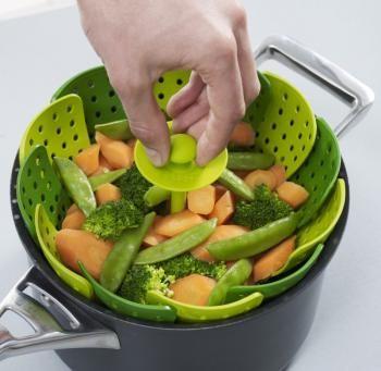 Wkładka do gotowania na parze Lotus Plus (do garnków o średnicy 16-27 cm), zielona - Joseph Joseph