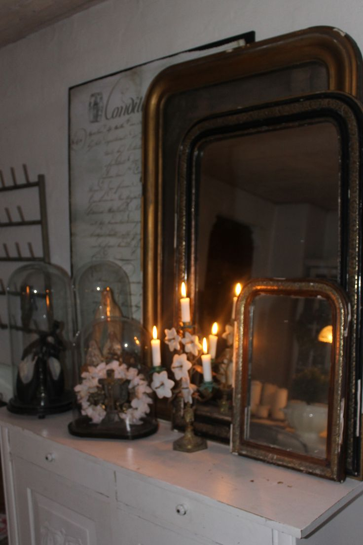 Dining room, old Louis philipe mirrors and Globes  from Belgium and France..