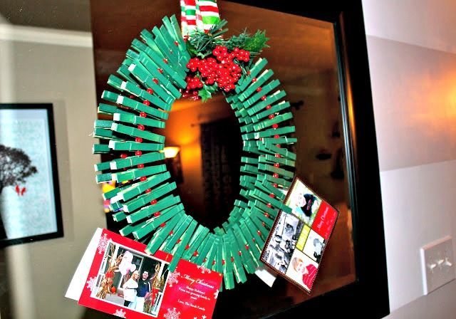 Christmas Card Wreath Holder {made Out Of Clothespins   Easy!