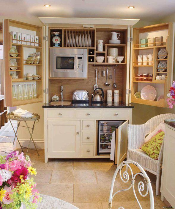 Практичная мини-кухня для малогабаритной квартиры  Мини-кухня, в которой есть все необходимое для приготовления пищи.