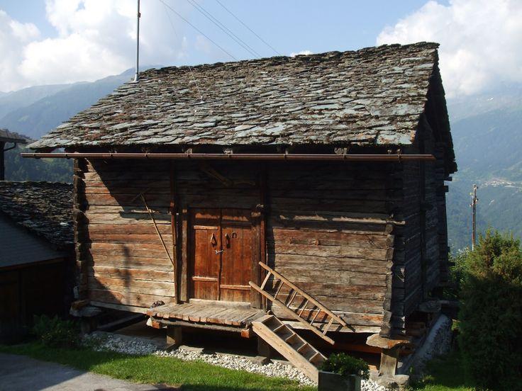 Le Mazot à 1968 Mase Val dHérens, Valais, Suisse