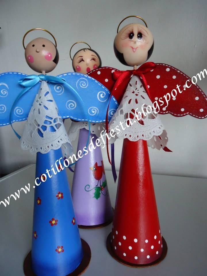 Fabricados en cartón y pintados a mano