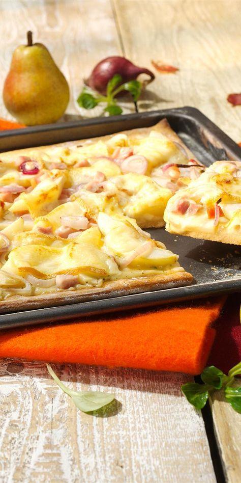 Die Hüttenpizza ist eine leckere Alternative zur klassischen Pizza. Als Belag harmoniert die süße Birne super mit dem rauchigen Kassler und dem würzigen Raclette-Käse! Probiert es aus und lasst es euch schmecken.