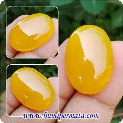 CM198 Batu Kalsedon Kuning Jumbo Natural Nama Batu Permata : Natural Yellow Chalcedony Dikenal sebagai Batu Kalsedon Kuning Dimensi Batu : est 25,52 x 17,8