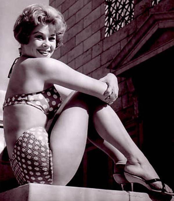 Sorry, actress sue ane langdon nude phrase