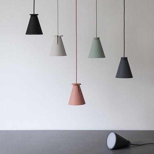 Multifunktional: Hängen, stehen, liegen ... designdelicatessen ApS - Menu - Bollard Lamp - Pendel- oder Tischlampe - Menu