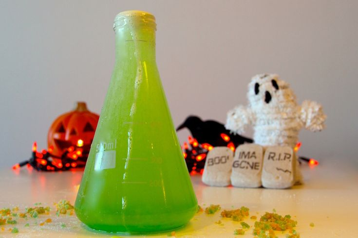 3 Cocktail Recipes Inspired by Classic Halloween Movies