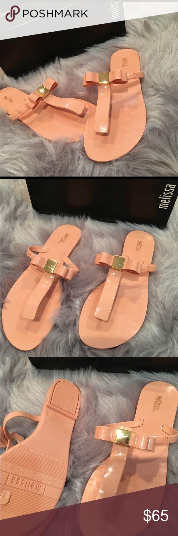 🚨sale🚨Melissa Flip Flop Jelly Pink sandal shoe Melissa Women s T Bar Iv Flip Flop Pale Pink Blush Nude Size 7 Bow Gold Melissa Shoes Slippers