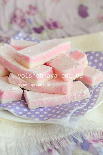 Пастила из яблок в домашних условиях яблоки 4 штуки сахар 410 грамм вода 60 грамм белок яйца 10 грамм агар 4 грамма ванилин пищевой краситель сахарная пудра для посыпки
