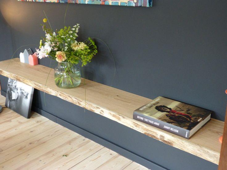 Een wandplank is erg praktisch: met een plank aan de muur ontstaat er extra ruimte. Deze ruimte kan gebruikt worden voor verschillende doeleinden, denk aan boeken, schilderijen, fotolijsten, planten en dergelijke. Onze blinde wandplanken worden toegepast in woonkamers, keukens, werkkamers, slaapkamers en winkels. Ons wandplankensysteem is zo ontwikkeld dat de plank volledig 'blind' aan de muur wordt bevestigd. Dit …