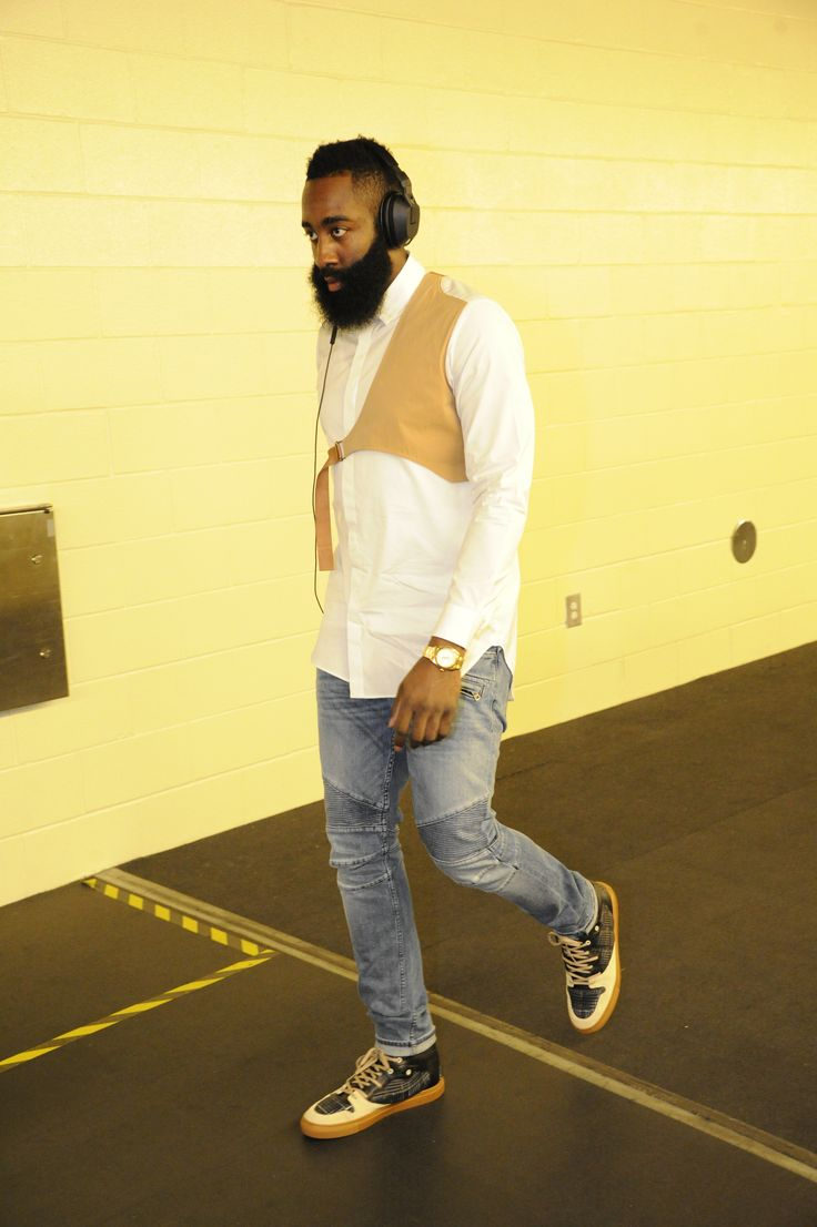That #BeardLife #FTW. James Harden Focused and Fashioned for #ROCKETSvMAVS Game 3.