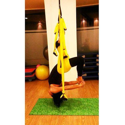Θέλετε να το κάνετε και εσείς;; Κάθε Δευτέρα 18:30 & Πέμπτη 19:30 με την μοναδική Αγγελική Συμβουλίδου! Yoga swings & antigravity fitness στο #koshotel ! Ρωτήστε μας: 2242047107 ή gym@koshotel.gr!